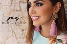 PGIf you like it, wear it Maquillaje: @fabiolaruizmake_up  #pgjoyeriaartesanal #hechoamano #hechoamano #earrings #aretes #ideartemexico #mexicocreativo #manosmexicanas #handmadejewelry #fashion #motas #lmm #mexico