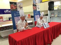 """Autograph sessions by Chef, authors of """"A touch of French"""" Le Cordon Bleu, Book Signing, Authors, Touch, French, French People, Writers, French Language, France"""