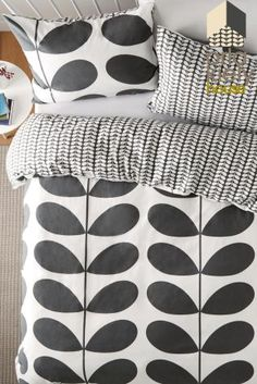 One of our fave pieces from one of our fave brands in Label! With the trend for monochrome going nowhere, this Orla Kiely Duvet Cover from Next is a gorgeous homeware addition. Orla Kiely Bedroom, Orla Kiely Bedding, Guest Room Office, Mid Century Decor, Dream Bedroom, Soft Furnishings, Interior Inspiration, Home Accessories, Duvet Covers