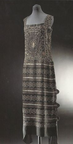 Chanel flapper dress 1920