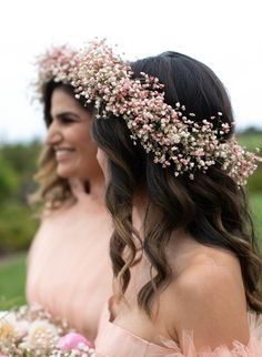 pink baby's breath flower crown This Bride Wore Chanel Haute Couture to Her Garden Wedding in California Baby Breath Flower Crown, Babys Breath Flowers, Diy Flower Crown, Flower Crown Hairstyle, Crown Hairstyles, Wedding Hairstyles, Babys Breath Crown, Bride With Flower Crown, Baby Breath In Hair