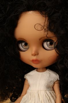 How in the world do I ever let these dolls go. I fall in love every time. Delia custom blythe doll no 39