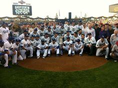 Los Angeles Dodgers @Dodgers    WE LOVE LA: Your first place Los Angeles @Dodgers and Stanley Cup Champion @LAKings: pic.twitter.com/SJjySkGR