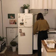 Find images and videos about aesthetic, house and room on We Heart It - the app to get lost in what you love. Incheon, My New Room, My Room, Dream Apartment, Retro Apartment, Bedroom Apartment, Aesthetic Rooms, Küchen Design, Humble Abode