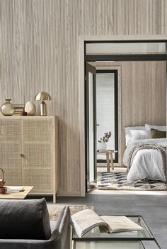 A Scandinavian home with lots of texture / Una casa estilo escandinavo con mucha textura Malibu Beaches, Global Style, Bedroom Bed, Bedrooms, Guest Room, Divider, Beige, Antiques, Rugs