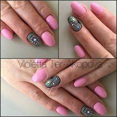 ☺ Dot Nail Art, Dots, Nails, Beauty, Stitches, Finger Nails, Ongles, Beauty Illustration, Nail