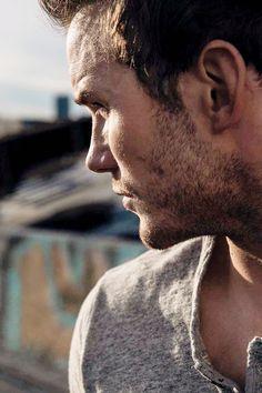 Chris Pratt photographed by Emily Shur for Men's Health magazine October 2014.
