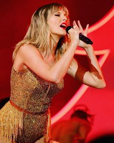 Taylor Swift Web Photo Gallery: Click image to close this window Taylor Swift Legs, All About Taylor Swift, Taylor Swift Style, Taylor Alison Swift, Taylor Swift Wallpaper, Her Music, My Girl, Sexy Women, Formal Dresses