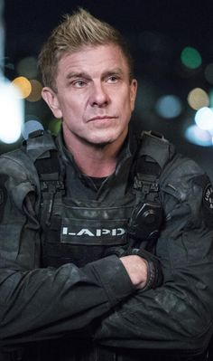 Kenny Johnson in S.W.A.T. 2017 Series (14)