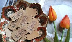 """Etiquetas de papel craft sin decorar o decoradas con la Torre Eiffel """"homemade"""" pedidos y catálogo: detallisime@yahoo.es"""