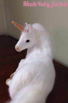 Needle Felted animal - white unicorn - felted animal - needle felted unicorn - felted unicorn - miniature unicorn - Gift for her - OOAK - Baby Unicorn, Unicorn Gifts, White Unicorn, Needle Felted Animals, Felt Animals, Cute Fantasy Creatures, Fabric Dolls, Rag Dolls, Felt Dolls