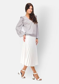 Jumper with ruffle and pleated sleeve  #knitwear