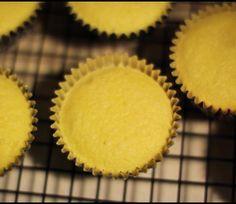 Glutenvrije Citroen Cupcakes. Ook prima met half boekweit en half rijstemeel ipv kleefrijstmeel