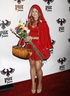 Pin for Later: 15 Times the Laguna Beach Girls Proved They Were Halloween Costume Masters Lo Bosworth as Little Red Riding Hood Halloween Fashion, Cool Halloween Costumes, Halloween Dress, Halloween Outfits, Homemade Halloween, Halloween Halloween, Little Red Riding Hood Halloween, Red Riding Hood Costume, Hollween Costumes