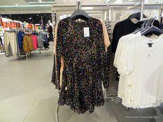 Рождественские распродажи в Финляндии всегда радуют: сразу понимаешь, что тебе нужно, пусть ты и бабушка, но как без платья, голой ходить ведь ни в каком возрасте… Dresses With Sleeves, Long Sleeve, Fashion, Moda, Sleeve Dresses, Long Dress Patterns, Fashion Styles, Gowns With Sleeves, Fashion Illustrations