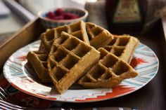 Autoimmune Protocol Waffles (Cassava Flour) Tried these with berries on top and they were pretty tasty! Dairy Free Recipes, Paleo Recipes, Paleo Meals, Healthy Cooking, Healthy Eats, Dieta Aip, Paleo Breakfast, Breakfast Recipes, Cassava Flour Recipes