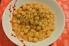 Delicious past and chickpeas soup