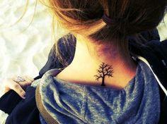 El árbol de la vida  Los árboles son considerados sagrados en muchos países y culturas. Sin embargo, aunque tenga diferentes significados en diferentes culturas, por lo general simboliza el conocimiento, protección, fuerza, el perdón y la vida eterna. Son el símbolo de la resistencia y la fuerza.