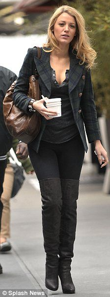Gossip Girlu0027s Blake Lively Steps Up Her Fashion Game In Thigh High Boots