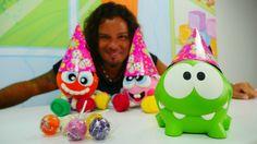 Harika oyuncaklar - Asrın, Om Nom, yeni oyuncaklar doğum gününde.Çocuk o...