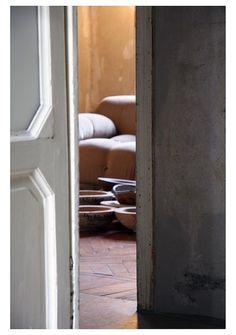 Third floor gallery inspiration at Erastudio Apartment-Gallery.  #erastudioapartmentgallery #erastudio #gallery #design #collectibledesign #designgallery #art #milan #Italy #breradesigndistrict #places #placetobe #igersmilan #ambience #italiandesign #architecturaldesign #vintage #props #mariobellini #camaleonda #sofa #details #inspiration