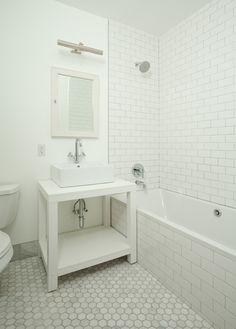 77 Douglass Street = subway tile on wall and floor that we like Bathroom Renos, Master Bathroom, Bathrooms, Bathroom Ideas, Beautiful Houses Interior, Beautiful Homes, Home Deco, Rum, Family Apartment