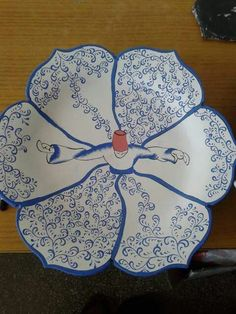 Like the design but would leave the torso out China Painting, Ceramic Painting, Glazes For Pottery, Ceramic Pottery, Glazed Pottery, Pottery Painting Designs, Arabesque Pattern, Turkish Art, Turkish Design