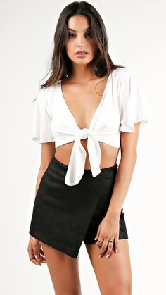 ties for men Party Crop Tops, Stylish Summer Outfits, Tie Front Crop Top, Girl Fashion, Fashion Outfits, Crop Top Outfits, Hot Outfits, Festival Outfits, At Least