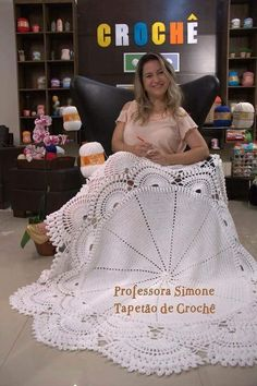 48 Ideas For Crochet Shawl Round Beautiful Crochet Table Runner, Crochet Tablecloth, Crochet Doilies, Crochet Flowers, Crochet Cross, Irish Crochet, Crochet Shawl, Crochet Baby, Crochet Rug Patterns