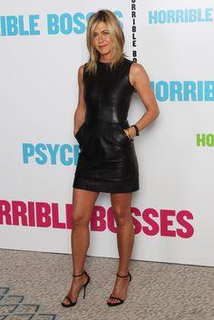 Met Jennifer Aniston als baas zul je niet veel mannen horen klagen over hun vrouwelijke chef. De andere bazen in ´horrible bosses´ zijn een stuk minder interessant! De film daarentegen wel. Wel gewoon voor de zondagmiddag. 3 sterren.