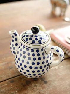 Anyone for A Spot Of Tea ? Polish Pottery tea pot - Love everything Polish Pottery related! Teapots And Cups, Mason Jars, My Cup Of Tea, Polish Pottery, Chocolate Pots, Ceramic Pottery, Tea Set, Tea Time, Polka Dots