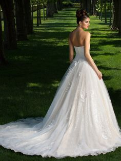 Pearl Bridal Gown   www.ForTheBrideMag.com Applique Skirt, Lace Applique, Bridal Wedding Dresses, Bridal Style, Tulle Wedding, Lace Bodice, Beaded Lace, One Shoulder Wedding Dress, Ball Gowns