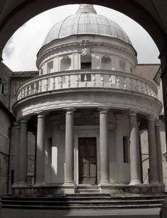 an analysis of the tempietto design by donato bramante The tempietto itself is located in the courtyard of san pietro in montorio in  the  tempietto, or little chapel in italian, was designed by donato bramante,  the  tempietto has a dominating circularity theme and was originally forty feet tall.