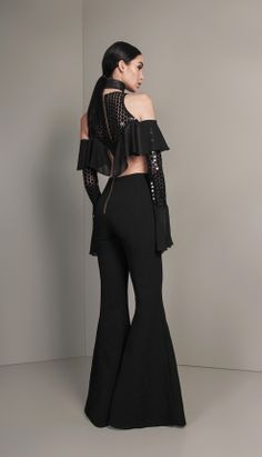 MACACÃO CREPE E RENDA BORDADA - MAC18457-03 | Skazi, Moda feminina, roupa casual, vestidos, saias, mulher moderna