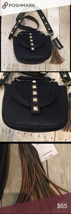 🎈AWESOME SPECIAL 🎈STEVE MADDEN crossbody NWT Just in STEVE MADDEN NWT crossbody with tassel  gold hardware.  Detachable strap.  One zip pocket inside and 2 others.  12x8.5.  Has handle to be a mini satchel. Steve Madden Bags Crossbody Bags
