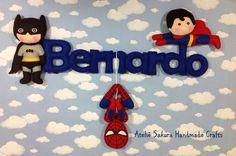 Enfeite de porta tema Super Heróis para o Bernardo