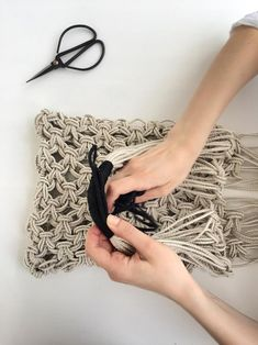DIY Macrame Kit with Video Macrame Tutorial: Macrame Tote Bag DIY Macrame Accessories by KNOT it Yourself Chelle Wright Craft Kits, Diy Kits, Diy Tote Bag, Micro Macramé, Macrame Bag, Circular Knitting Needles, Macrame Tutorial, Filets, Macrame Projects
