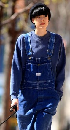 Agyness deyn and overalls are the best two things for the fashion world right now Grunge Outfits, 90s Grunge, Grunge Fashion, Fashion Outfits, Transgender, Daily Fashion, Fashion Beauty, Agyness Deyn, Androgynous Fashion