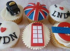 London cupcakes london amazing-food foodstuff-i-love food-and-recipies London Cake, London Food, London Party, Fun Cupcakes, Cupcake Cookies, Little Cakes, Cakes And More, I Love Food, Cake Pops