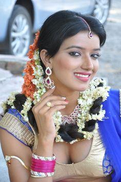 Manisha Singh at Junction Lo Jayamalini Telugu Movie Launch (43) at Manisha Singh at Junction Lo Jayamalini Launch  #ItemGirl #JunctionLoJayamalini #ManishaSingh