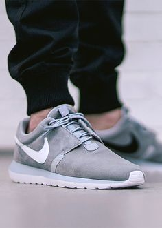 pretty nice 0236f 50620 Nike Roshe Run NM Grey sneakers and fitted joggers