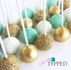 Turquoise, Gold, and White Cake Pops a great color combo for a Beach themed celebration Cake Cookies, Cupcake Cakes, Kreative Desserts, Gold Cake, Sweet 16 Parties, Savoury Cake, Dessert Table, Cake Decorating, Wedding Cakes