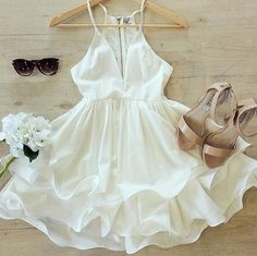 I know your not really supposed to wear white to a wedding but I'd totally wear this chiffon white dress outfit Pretty Dresses, Sexy Dresses, Casual Dresses, Girls Dresses, Flower Girl Dresses, Backless Dresses, Awesome Dresses, Skater Dresses, Mini Dresses