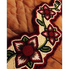 I love these rich colors, very beautiful bead work! Indian Beadwork, Native Beadwork, Native American Beadwork, Loom Beading, Beading Patterns, Beading Ideas, Beaded Moccasins, Beadwork Designs, Native Design