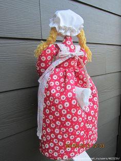 КУКЛЫ-ПАКЕТНИЦЫ НА КУХНЮ.ВЫКРОЙКИ,МАСТЕР-КЛАССЫ.. Обсуждение на LiveInternet - Российский Сервис Онлайн-Дневников Diy Kitchen, Baby Car Seats, Sewing Projects, Dolls, Creative, How To Make, Gifts, Quilts, Fabric Dolls