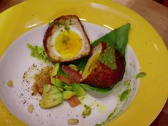 Bill's American Scotch Eggs from FoodNetwork.com-really want to try this! Yum