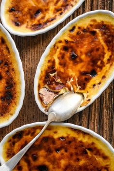 Classic French Crème Brûlée You are in the right place about World Cuisine photography Here we offer you the most Desserts Français, French Desserts, Plated Desserts, French Sweets, Italian Recipes, Mexican Food Recipes, French Recipes, French Creme Brulee Recipe, Soul Food