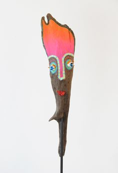acrylic painting and glas lampworking technique Painted Driftwood, Driftwood Crafts, Tiki Head, Painted Sticks, Wood Sculpture, Art Google, Painting On Wood, Garden Art, Art Lessons