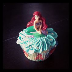 Ariel cupcake Little Mermaid Cupcakes, The Little Mermaid, 3rd Birthday, Birthday Parties, Kids Party Snacks, Princess Party, Disney Princess, Ariel, Birthdays