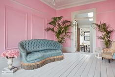 Pink Room Editorial location with different style rooms in same location with props 5 bedroom, Victorian house, based in South West London. Modern Victorian Decor, Victorian Bedroom, Victorian Homes, Victorian Terrace House, Exposed Brick Walls, Pink Houses, Pink Room, Pink Walls, Large Homes